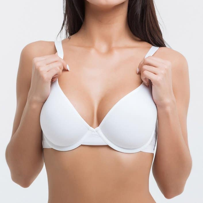Breast augmentation at Vallety Plastic Surgery, model image 01